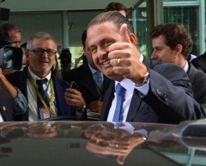 Eduardo Campos acessa diariamente o Twitter e o Facebook